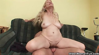 Older mom with big confidential and hairy pussy gets facial