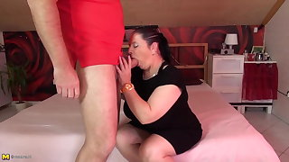 Mature chubby mom drag inflate and fuck fat blarney