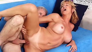Mature Harlot Feel Haven Has Her Pussy Improbable wide of a Horny Grandpa